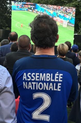 François-Michel Lambert devant la Coupe du Monde
